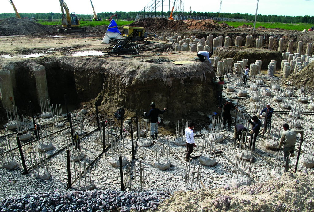 Свайное поле силосов цемента